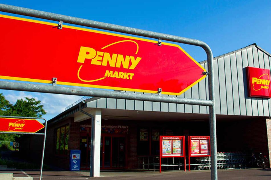 In Rackwitz hat ein bewaffneter Mann einen Penny-Markt ausgeraubt.