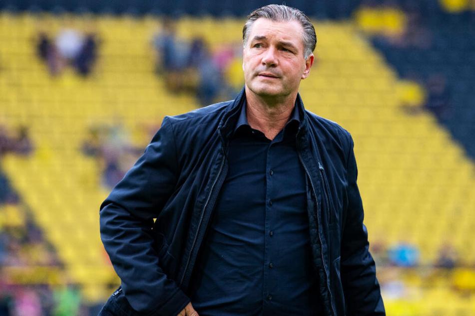 BVB-Sportdirektor Michael Zorc äußert sich zurückhaltend zur Stürmersuche bei Dortmund.