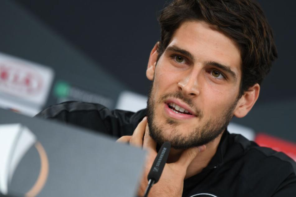 Auch der portugiesische Eintracht-Stürmer Goncalo Paciencia stellte sich im Vorfeld der Partie den Fragen der Pressevertreter.