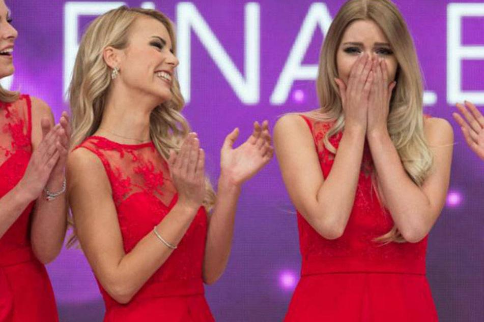 Auch ihre Konkurrentinnen applaudieren bei der Urteilsverkündung! Bei Soraya ist die Freude riesig!