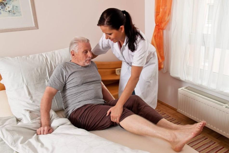 Wer pflegebedürftig wird, muss viel aus eigener Tasche zahlen.