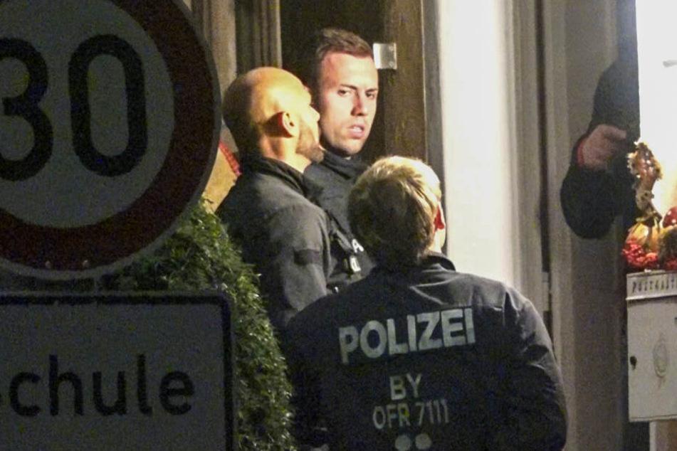 Bomben-Anleitungen in Chat-Gruppe verteilt: Polizei greift durch!