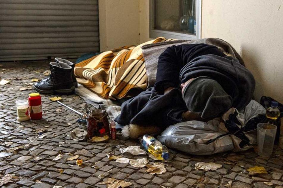 Immer wieder werden Obdachlose Opfer von Gewalt (Symbolbild).