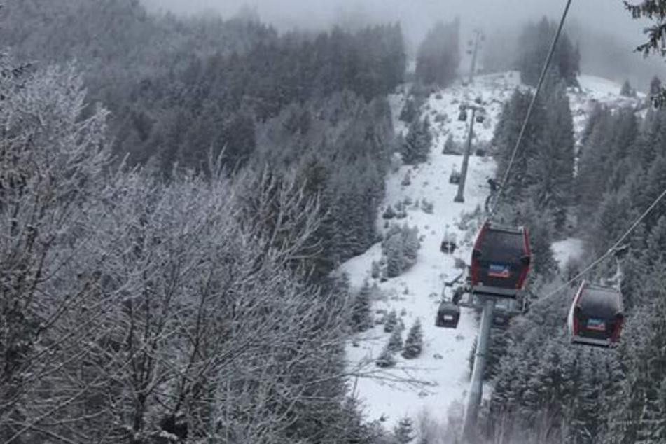 Beim Skifahren in Tirol ist ein Mann ums Leben gekommen. (Symbolbild)