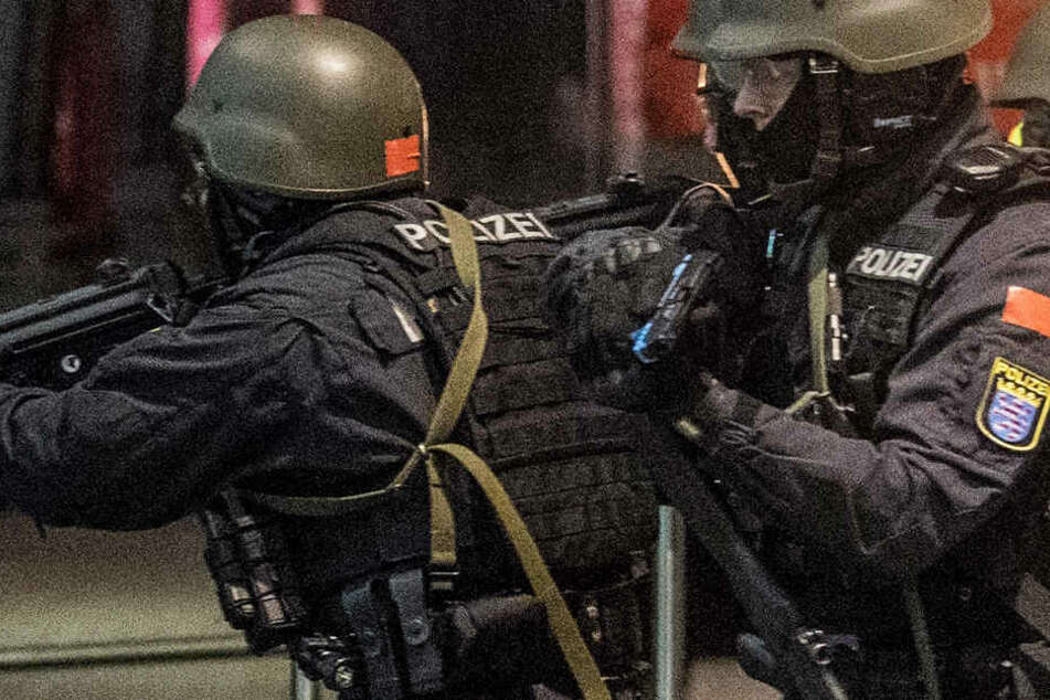 Ein Spezialeinsatzkommando der Polizei nahm den Schützen fest (Symbolbild).
