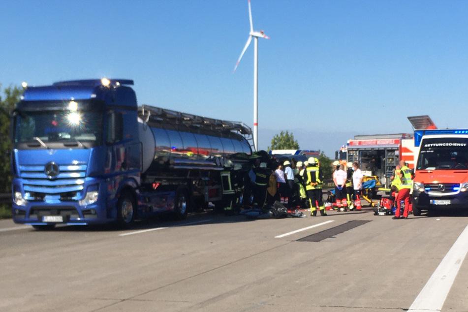 Transporter rammt Dünger-Laster: Vollsperrung auf der A9