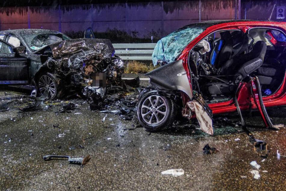 Geisterfahrer kracht in BMW: 58-Jähriger in Lebensgefahr!