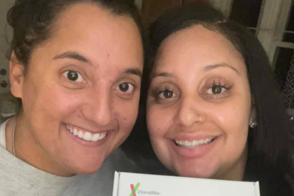 Best friends joke about being sisters all the time until a DNA test blows their minds