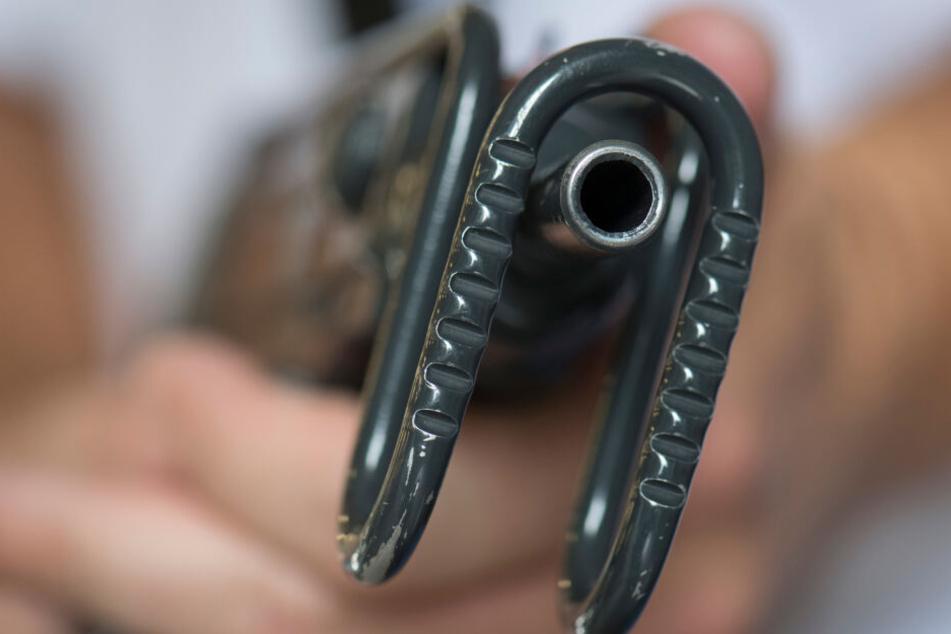 Bei den Maschinenpistolen handelte es sich nicht um scharfe Schusswaffen. (Symbolbild)