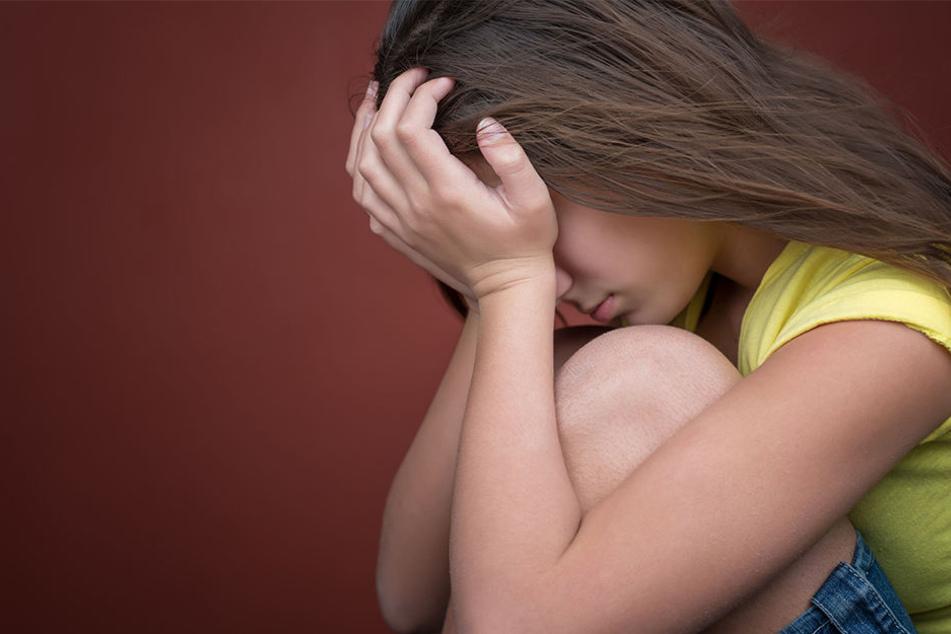 Als das Mädchen 13 Jahre alt war, sollen die Übergriffe angefangen haben. (Symbolbild)