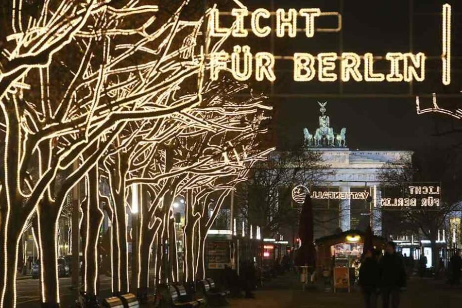So sah die Weihnachtsbeleuchtung unter den Linden 2012 aus.