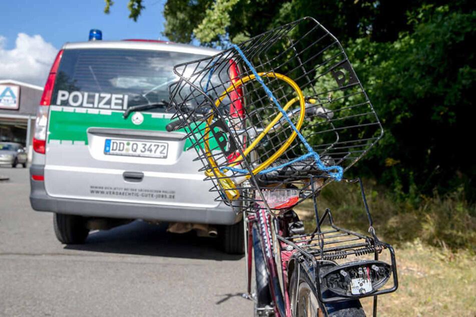 Am Dienstagmorgen wurde eine Radfahrerin (81) bei einem Unfall tödlich verletzt.