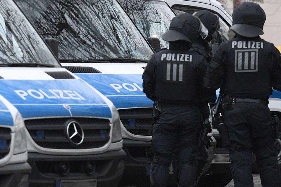 Die neuen Helme der Thüringer Polizei stehen in der Kritik. (Symbolbild)