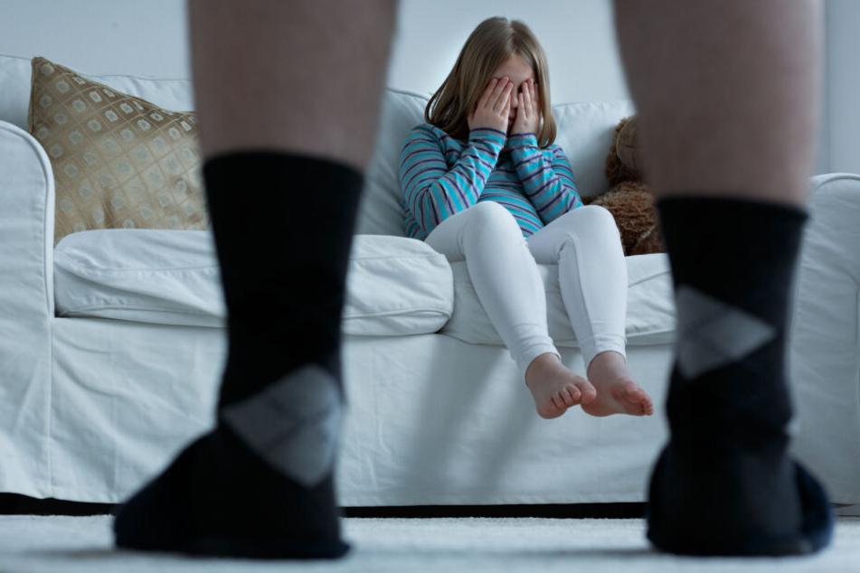Mann (26) missbraucht zwei Kinder: Trotzdem muss er nicht ins Gefängnis!