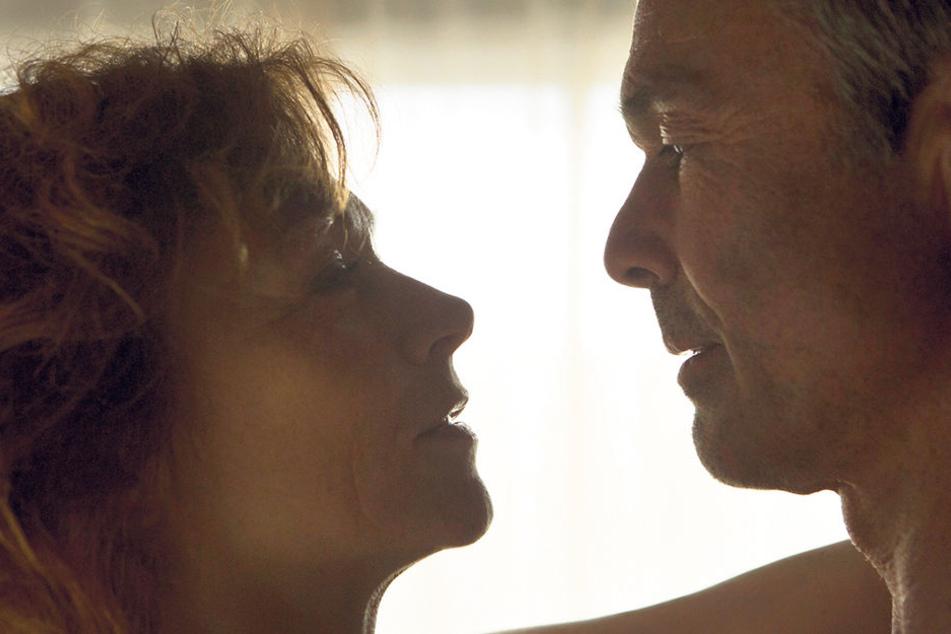 Exzessive Leidenschaft: V-Mann Jordan (Hannes Jaennicke, 57) liebt Terroristin Astrid Frühwein (Heike Trinker, 56).