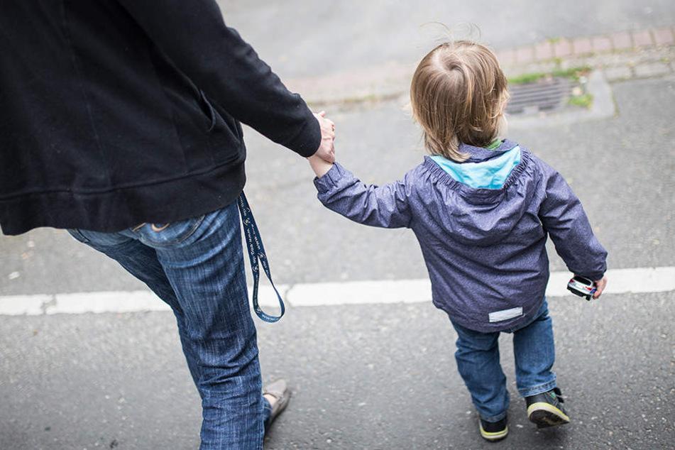 Besonders von Armut betroffen sind Familien mit alleinerziehenden Eltern.