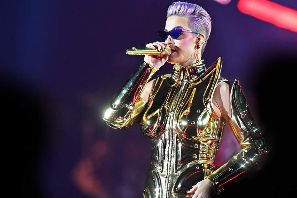 Katy Perry: Sängerin feiert ganz nackt Weihnachten