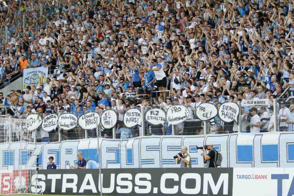 Die Fans protestierten vor dem HSV-Spiel gegen die aktuellen Entwicklungen beim CFC.