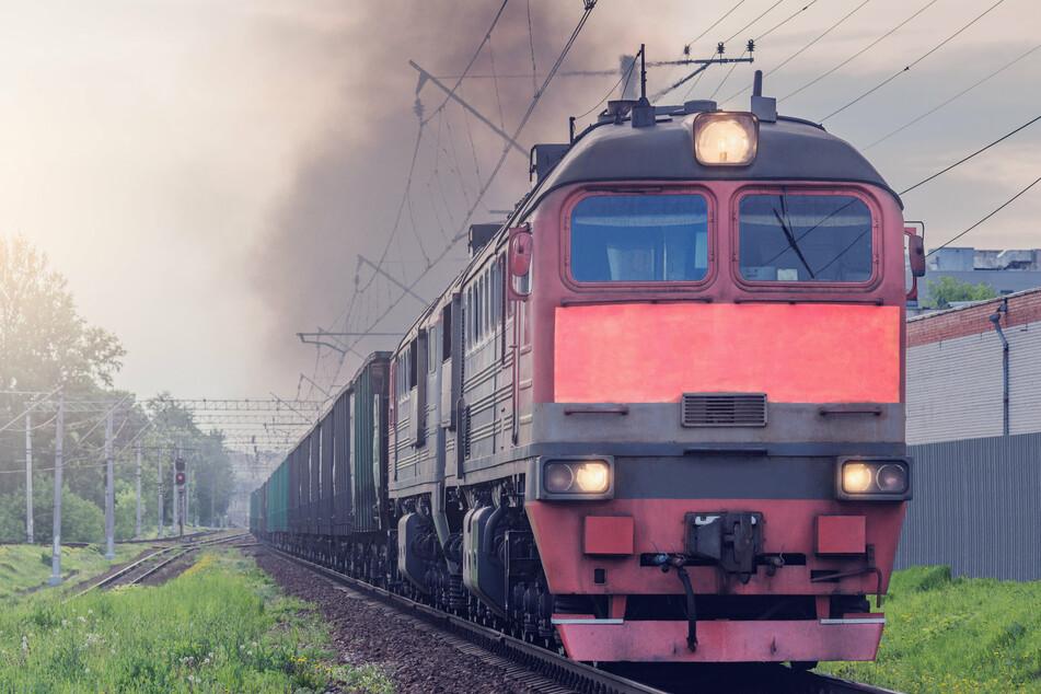 In Russland kollidierten zwei Güterzüge miteinander. (Symbolbild)