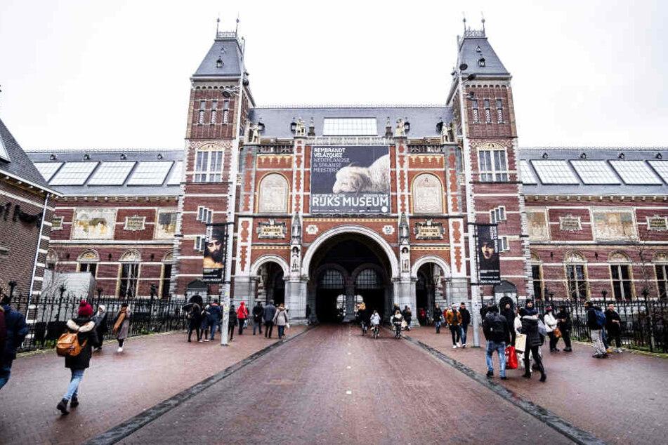 Ohne die Mitwirkung des berühmten Rijksmuseums in Amsterdam hätte der Tafelaufsatz nie rekonstruiert werden können.
