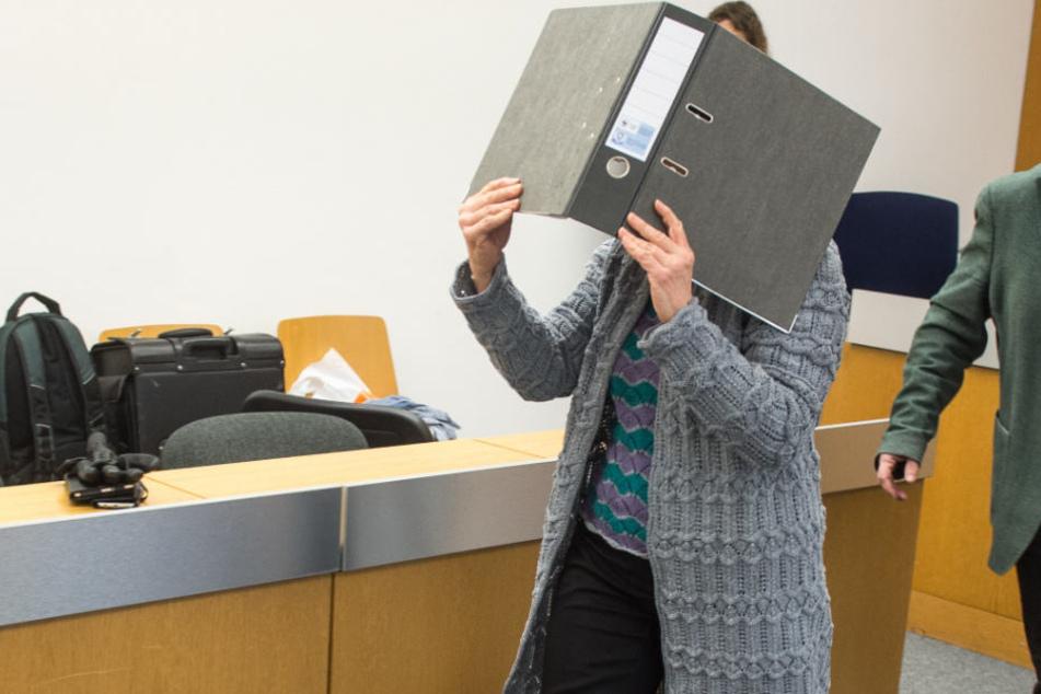 Eine 51 Jahre alte Frau wurde in Passau zu einer langen Haftstrafe verurteilt.