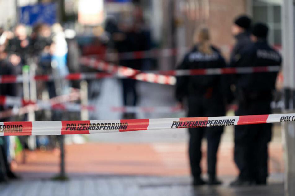 Polizeiabsperrungen sind am am Heumarkt zu sehen, wo neun Menschen ums Leben gekommen waren.