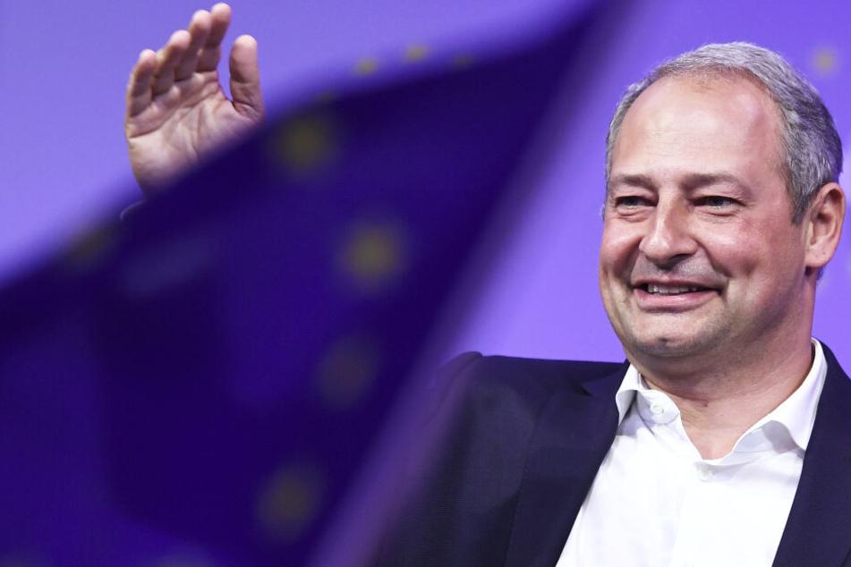Andreas Schieder (50), stellv. Vorsitzender der SPÖ und Mitglied des Europäischen Parlaments, will etwas an der Politik zu Kinder-Sexpuppen ändern.