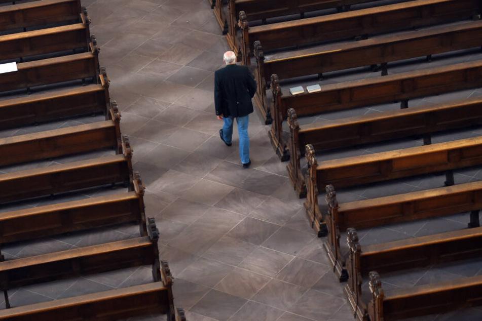 Sowohl die katholische als auch die evangelische Kirche haben mit rückläufigen Mitgliederzahlen zu kämpfen. (Symbolbild)