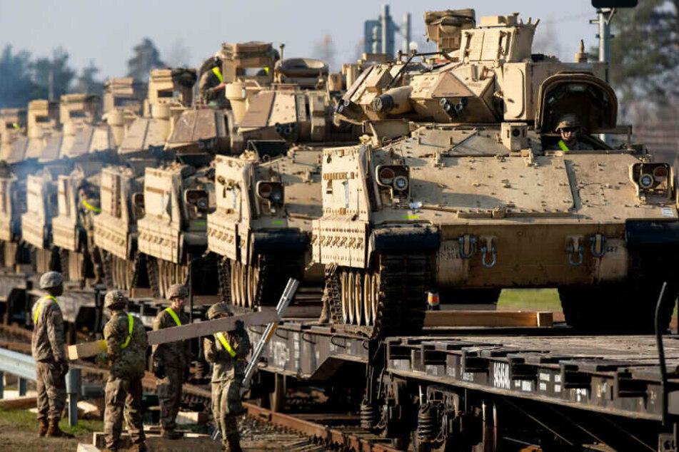 Mit der Aktion soll die umfangreiche Verlegung von Truppen aus den USA nach Polen und ins Baltikum geübt werden.