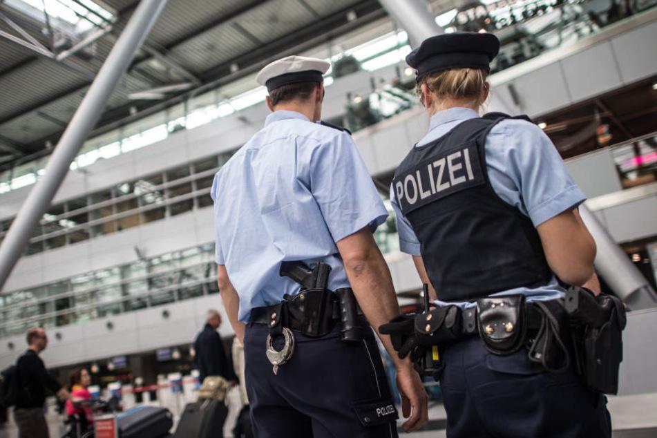 Die Grenzpolizei kontrollierte die 51-Jährige. Dabei flog sie auf. (Symbolbild)