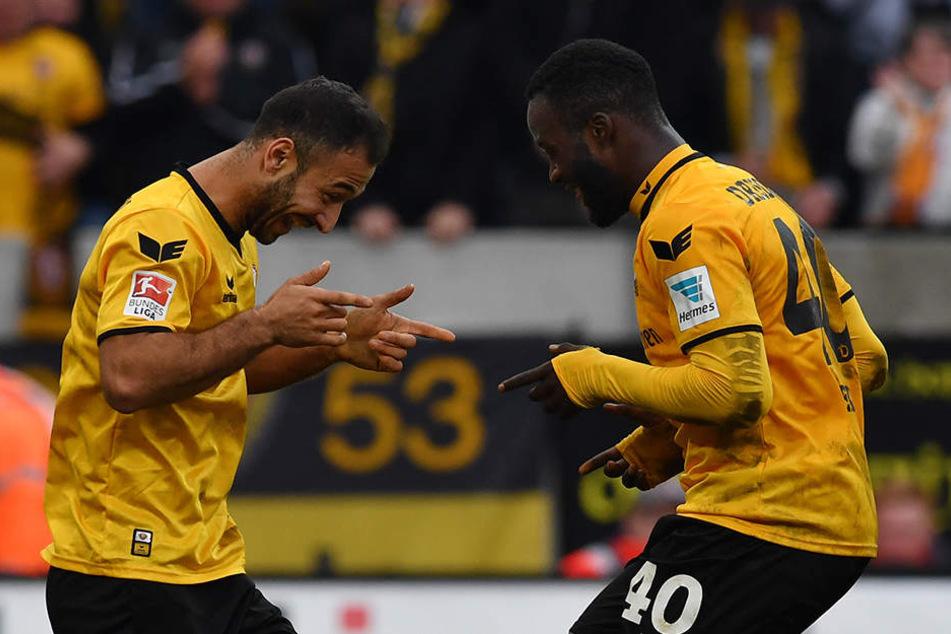 Gogia will endlich wieder jubeln, wie hier nach seinen beiden Treffern gegen Greuther Fürth mit Erich Berko.