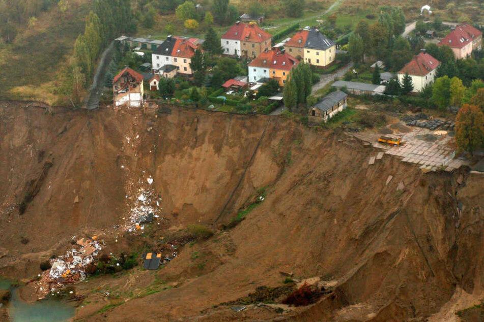 Dutzende Meter tief stürzten Trümmer mehrerer Häuser 2009 in die Tiefe.