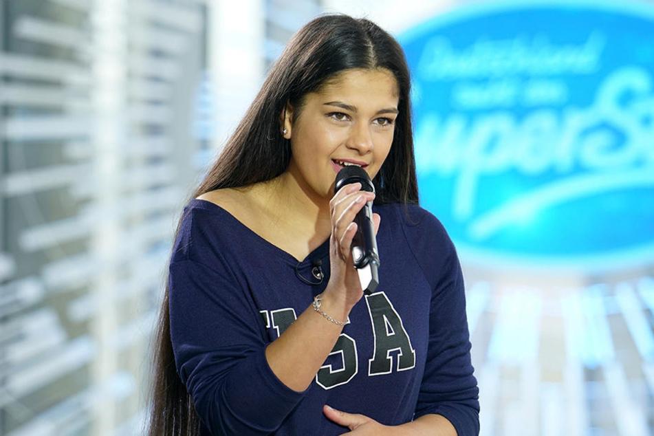 Die 17-jährige Kölnerin Mandy Mettbach rührt den Pop-Titan sogar zu Tränen.