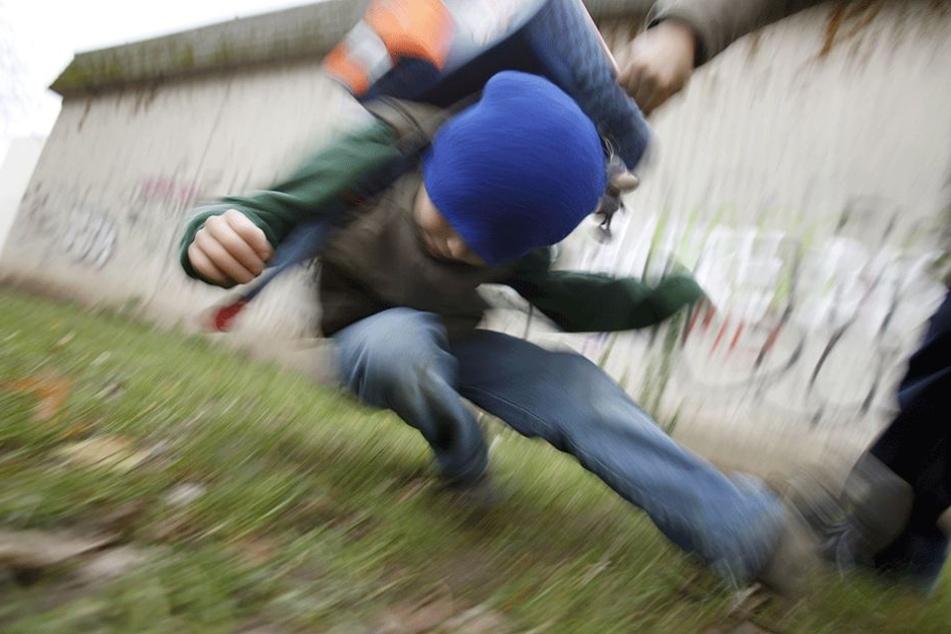 Viele Kinder werden Opfer von brutalen Schlägern in den Schulen (Symbolbild).