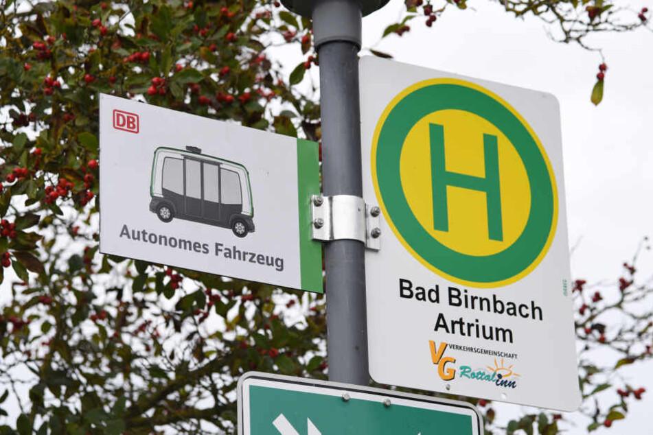 In Bad Birnbach fährt ein autonomer Kleinbus.