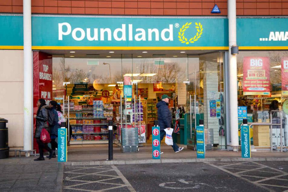 Die britische Ladenkette Poundland bewirbt ihre Produkte gern offensiv.