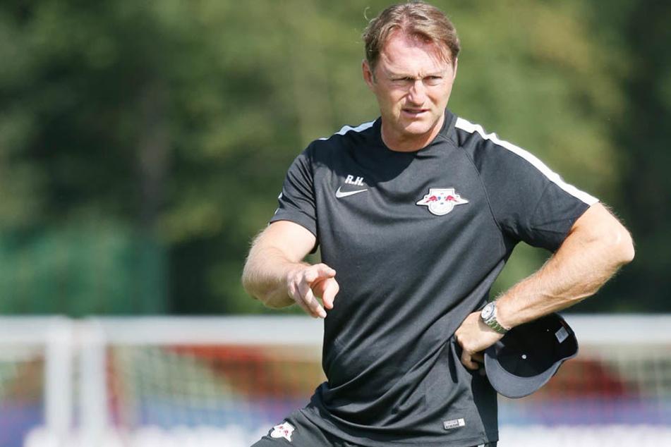 Coach Ralph Hasenhüttl musste zum Trainingsauftakt auf einige seiner Stars und Neuzugänge verzichten. (Archivfoto)