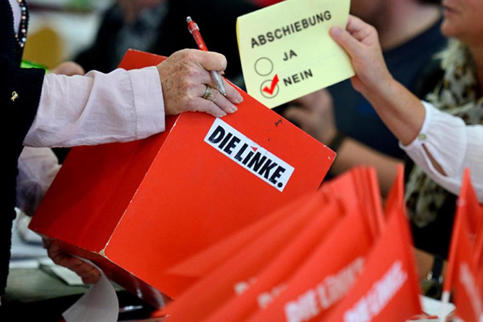 Die Berliner Linken haben sich mehrheitlich gegen eine Abschiebung von Gefährdern entschieden.