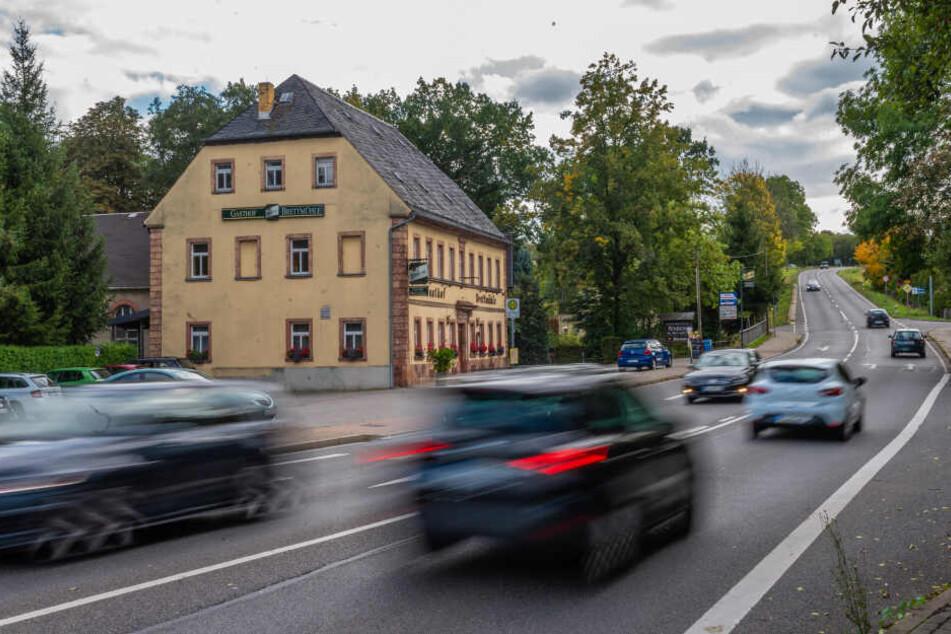 Der Verkehr rauscht Tag und Nacht über die B169 - und sorgt für Lärm.Foto: Kristin Schmidt