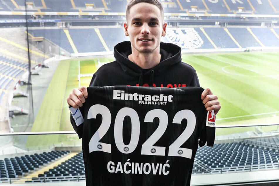 Dieses Foto von Mijat Gacinovic veröffentlichte Eintracht Frankfurt über den Kurznachrichtendienst Twitter.