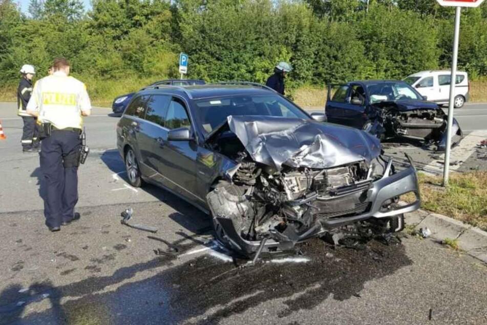 Beide Wagen wurden bei dem Unfall komplett zerstört.