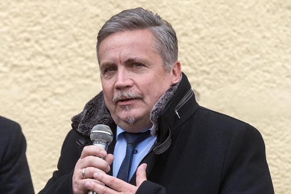 Der Annaberg-Buchholzer Oberbürgermeister Rolf Schmidt (Freie Wähler) hofft auf einen Aufschwung für seine Stadt.