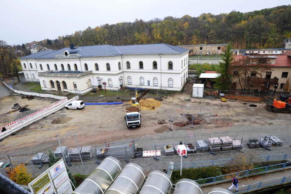 Der Bahnhofsvorplatz ist aktuell noch eine Großbaustelle.