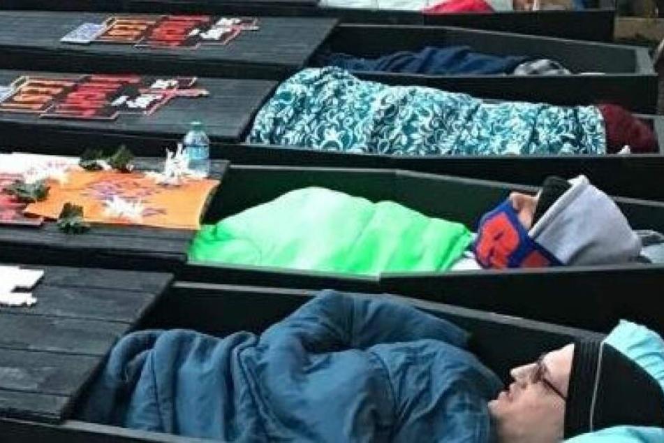 Teilnehmer der 30 Stunden Coffin-Challenge 2018