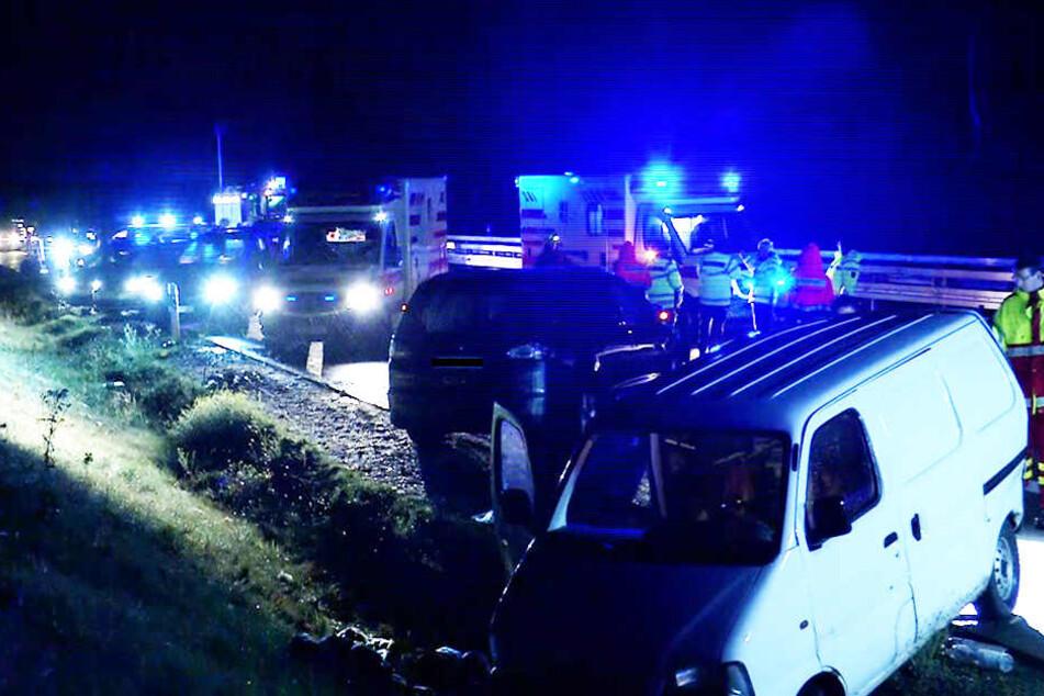 Unfall A13 heute & gestern: Aktuelle Unfallmeldungen von der A13 | TAG24