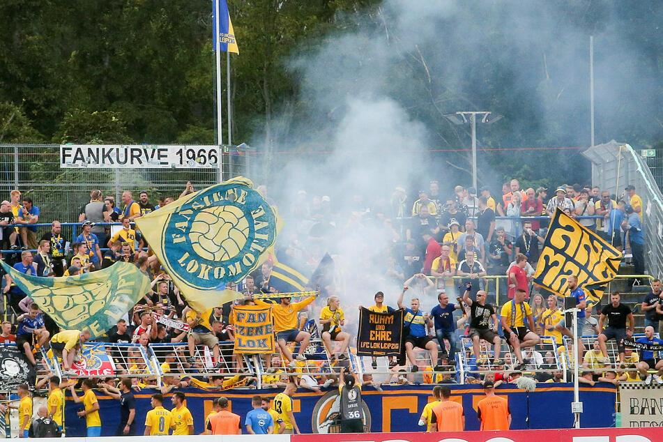 Bei Heimspielen des 1. FC Lokomotive Leipzig im Bruno-Plache-Stadion wird an der 3G-Regel festgehalten.