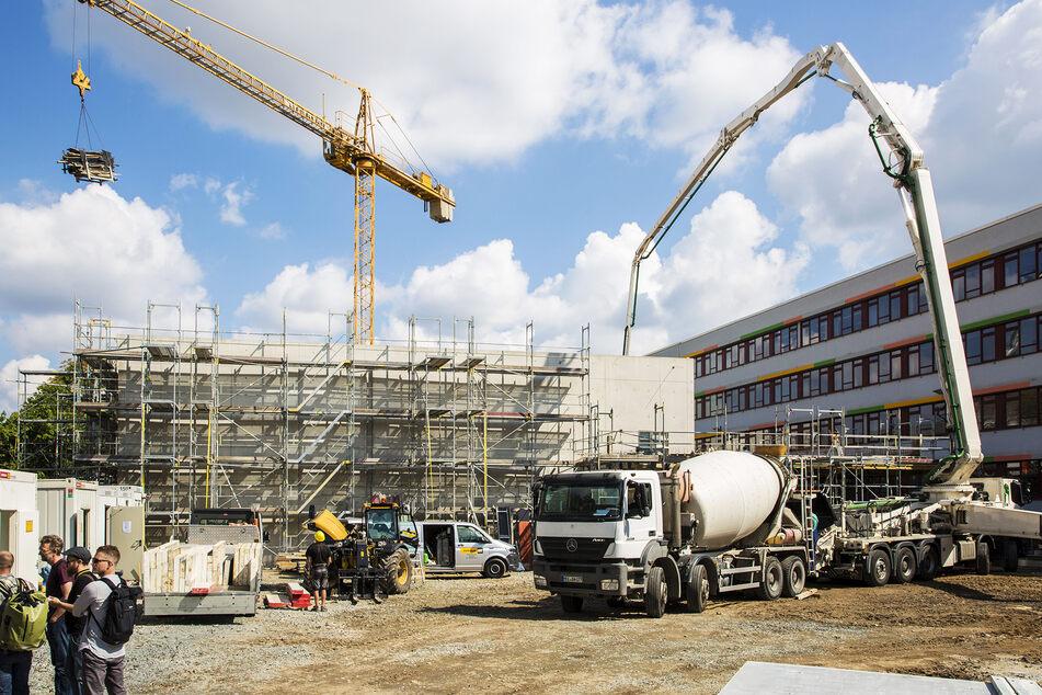 Aktuell baut Dresden am Beruflichen Schulzentrum für Bau und Technik.