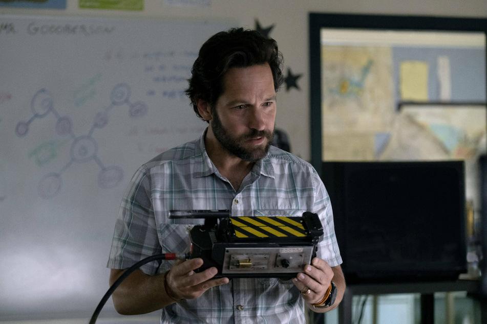 Paul Rudd stars as Mr. Grooberson in Ghostbusters: Afterlife.