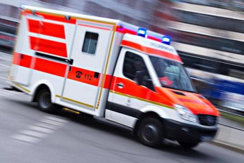 Kind stirbt nach Unfall mit Rettungswagen