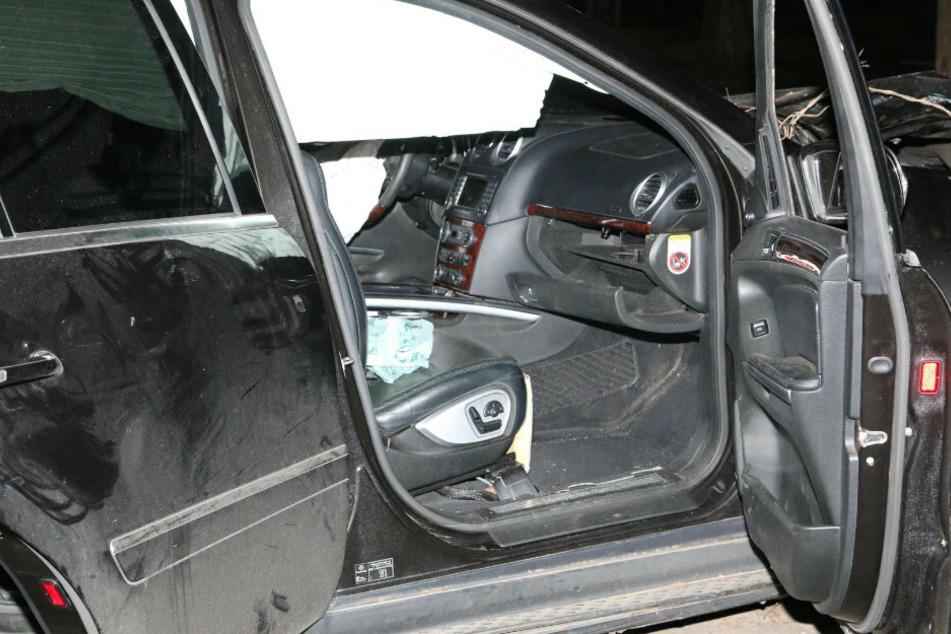 Blick in das Innere des Unfallwagens.